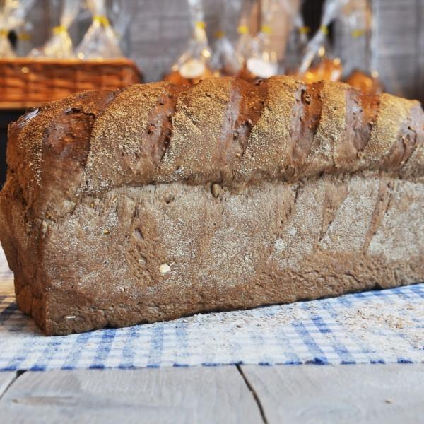 Donker multi meergranenbrood met rijstestrooimeel. Zeer voedingsrijk. Waldkorn smaak. online bestellen bij Bakkerij Kaptein, Den Ham, Overijssel