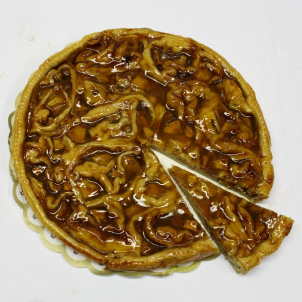 Bladerdeeg met verse appel en kanneelsuiker. Onze specialiteit. Voor 12 personen. Online bestellen bij Bakkerij Kaptein, Den Ham, Overijssel.